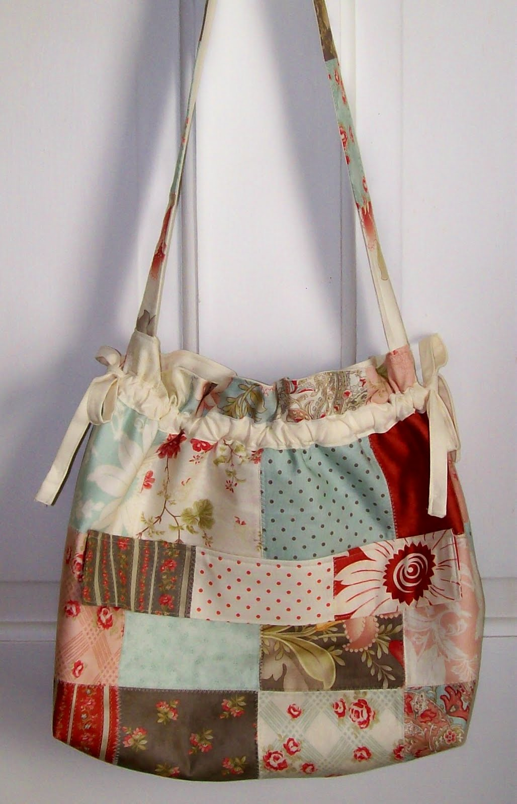 Charming Purse-o-nality Bag