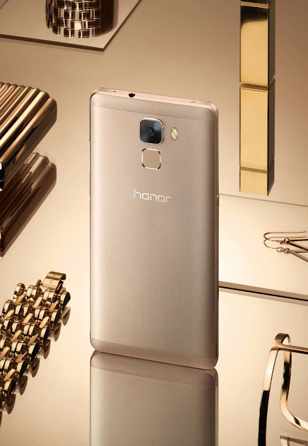 Huawei Honor 7 resmi rilis, bawa kamera belakang 20 MP face detection dan sensor sidik jari