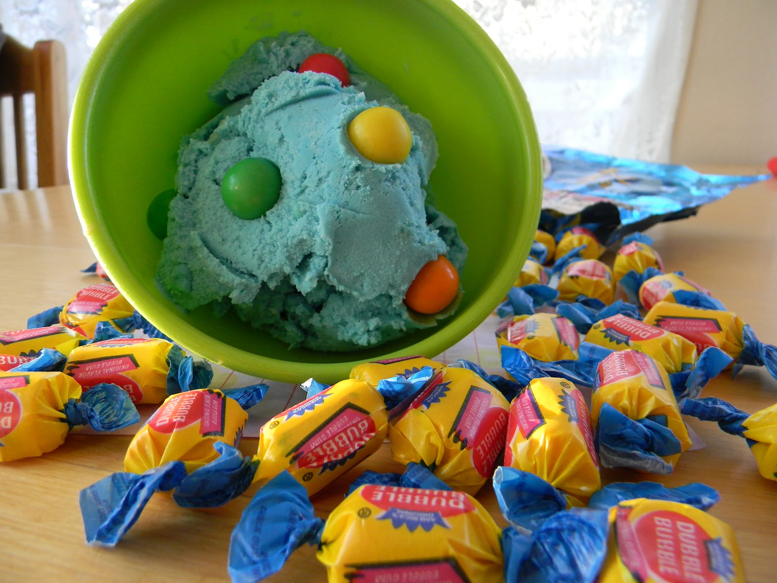 MorningNooNight: Bubblegum Ice Cream