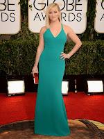 Рийз Уидърспун в тюркоазена права рокля на Calvin Klein Златен глобус 2014