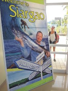 Plakat på flyplass i filipinene