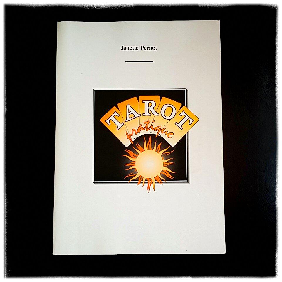 Janette Pernot livre sur le tarot ésotérisme développement personnel