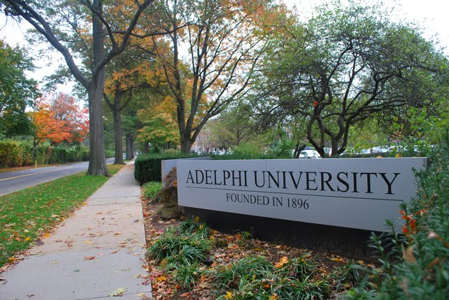 Study english in new york adelphi university usa for Adelphi university garden city