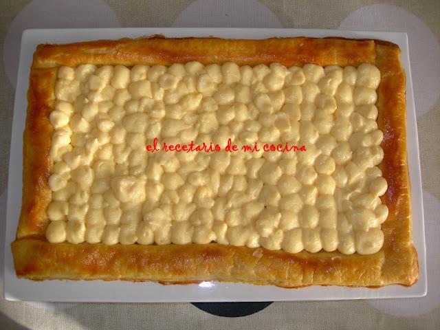 tarta de kiwi platano y cerezas