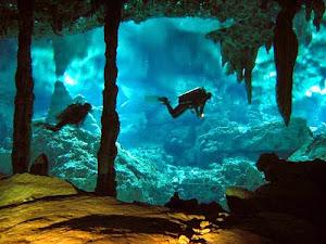 Danau di bawah Laut