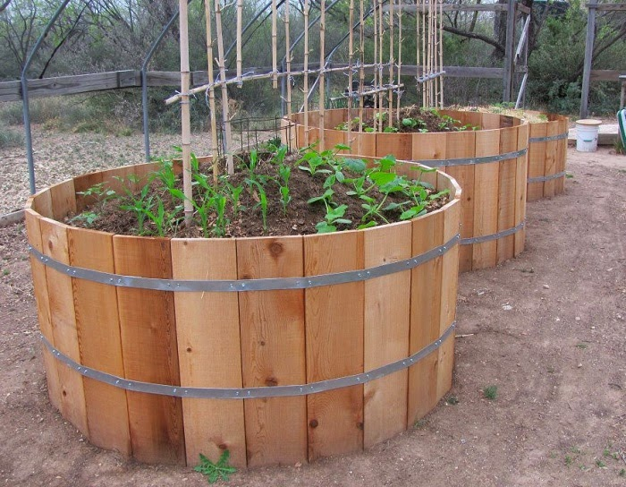 How to build a Keyhole Garden | Do it yourself ideas and ...