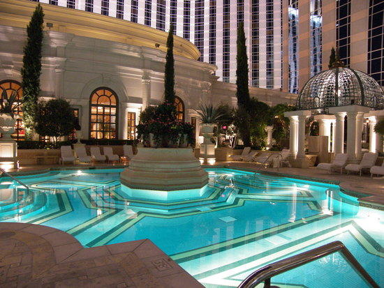 Get a big suite pay a tiny price at the venetian travel for Pool show vegas