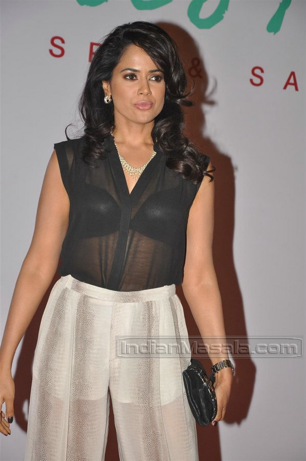 Sameera Reddy in black brassiere and white pants -  Sameera Reddy in hot black lingerie