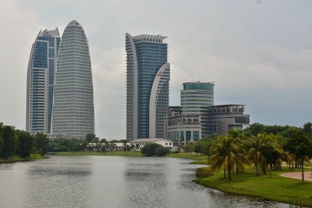 Tasik River Cruise Putrajaya skyscraper