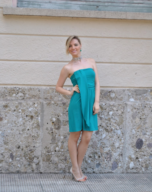 outfit verde abito elegante verde come abbinare il verde abbinamenti verde abito elegante green dress green outfit fornarina guess majique fashion bloggers italy mariafelicia magno fashion blogger colorblock by felym milano girls summer outfit outfit estivi blonde hair blonde girl