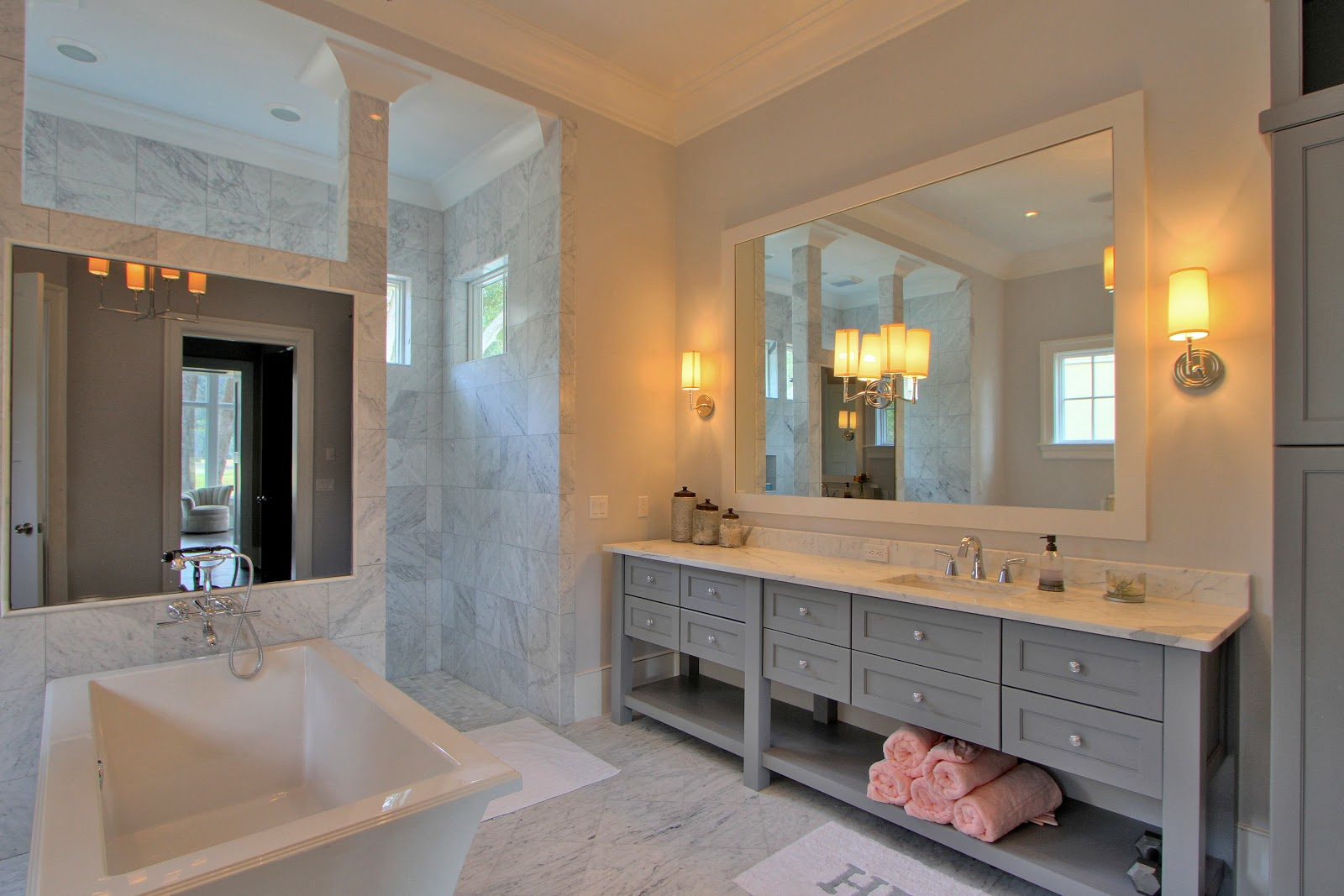 Vanity Lights Master Bathroom : Palmetto Cabinet Studio Design Notes: Trends in Master Bath Vanity Cabinet or ?Mirror, Mirror on ...