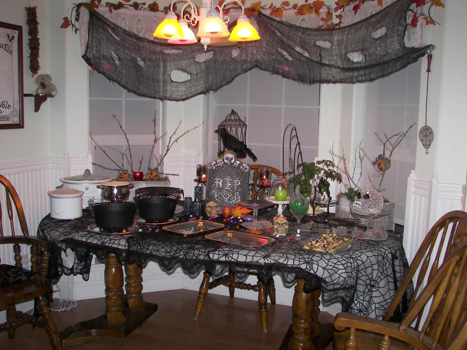 Halloween buffet table - Halloween Party