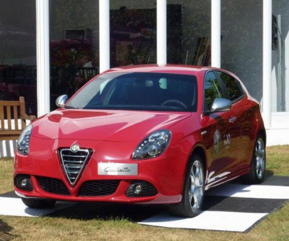 World Car Wallpapers: 2012 Alfa Romeo Giulietta