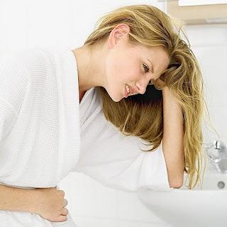 gambar wanita nyeri haid dan sakit perut sebelum dan saat haid