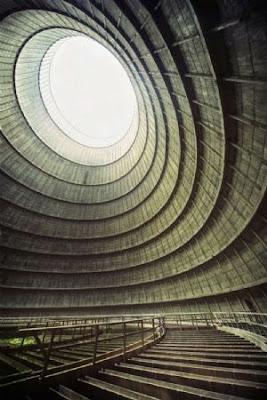 Torre de resfriamento de uma usina abandonada