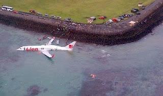 Kecelakaan pesawat Lion Air jatuh ke laut