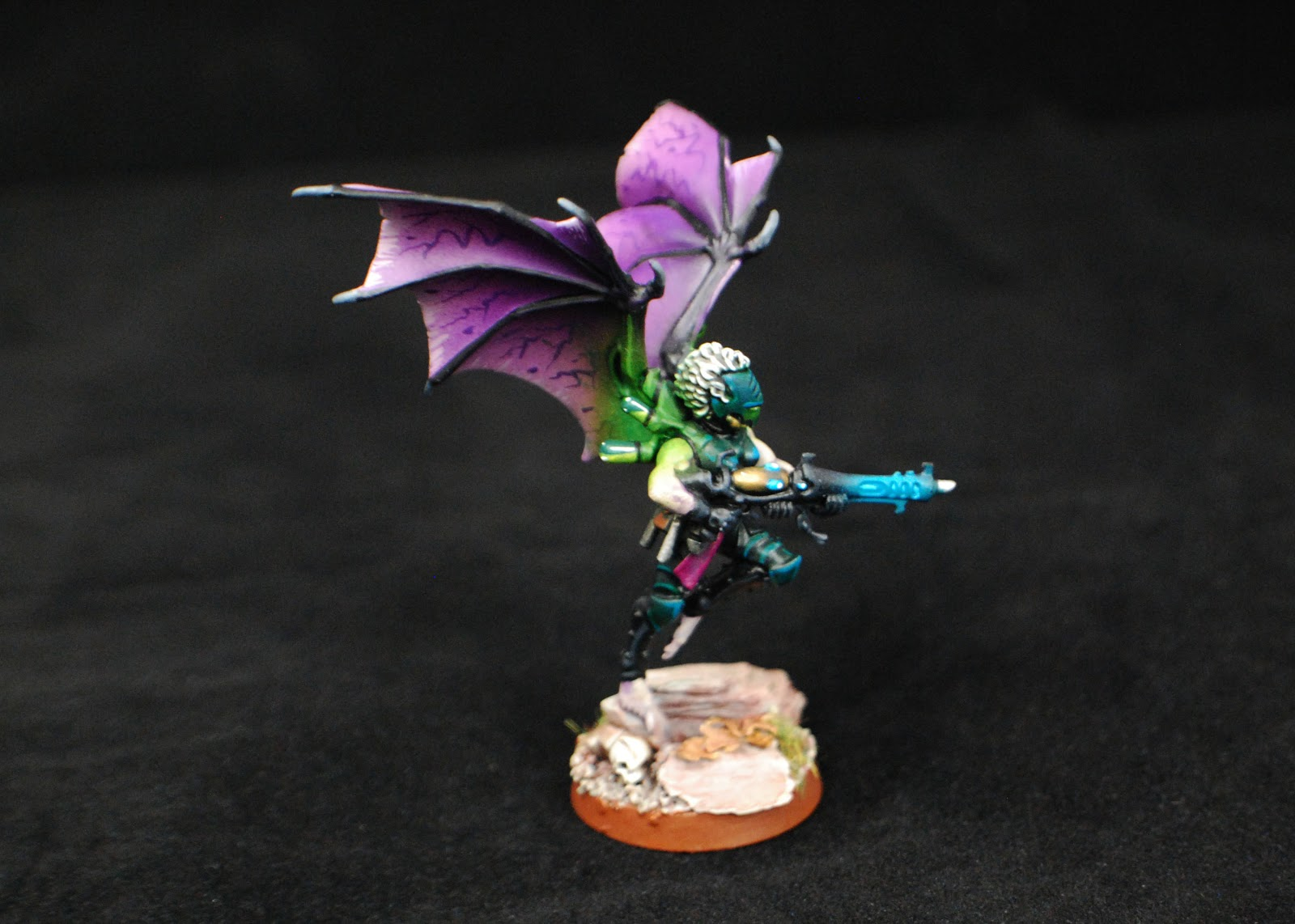 EOE's Dark Eldar Painting Tutorials  BW+Scourges+Painted+7