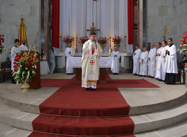 Todos os Domingos as 18:30hs e Sextas Feiras as 15:00hs, Transmissão da Santa Missa Direto da Basíl