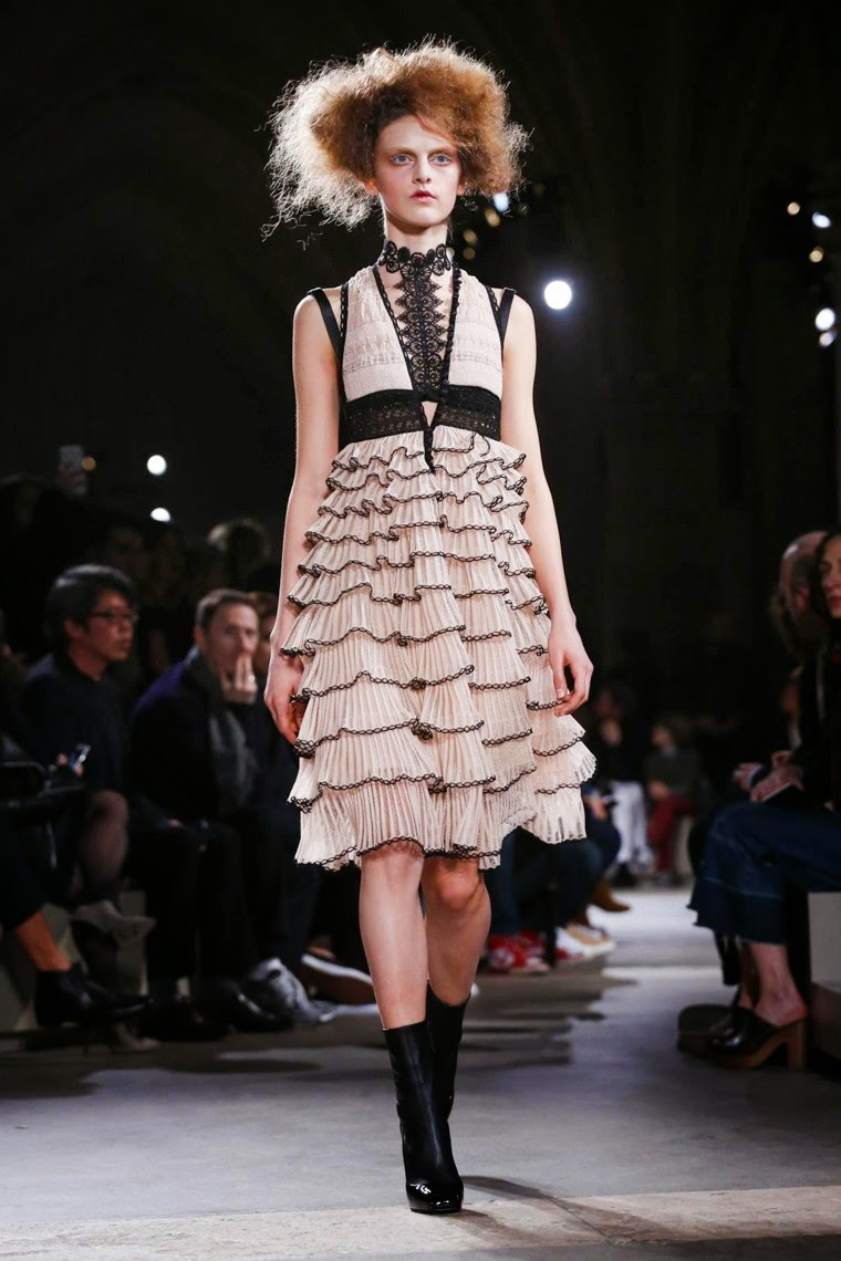 Alexander McQueen, Alexander McQueen AW15, Alexander McQueen FW15, Alexander McQueen Fall Winter 2015, Alexander McQueen Autumn Winter 2015, Alexander McQueen fall, Alexander McQueen fall 2015, du dessin aux podiums, dudessinauxpodiums, alexander mcqueen shoes, alexander mcqueen puma, vintage look, dress to impress, dress for less, boho, unique vintage, alloy clothing, venus clothing, la moda, spring trends, tendance, tendance de mode, blog de mode, fashion blog, blog mode, mode paris, paris mode, fashion news, designer, fashion designer, moda in pelle, ross dress for less, fashion magazines, fashion blogs, mode a toi, revista de moda, vintage, vintage definition, vintage retro, top fashion, suits online, blog de moda, blog moda, ropa, asos dresses, blogs de moda, dresses, tunique femme, vetements femmes, fashion tops, womens fashions, vetement tendance, fashion dresses, ladies clothes, robes de soiree, robe bustier, robe sexy, sexy dress