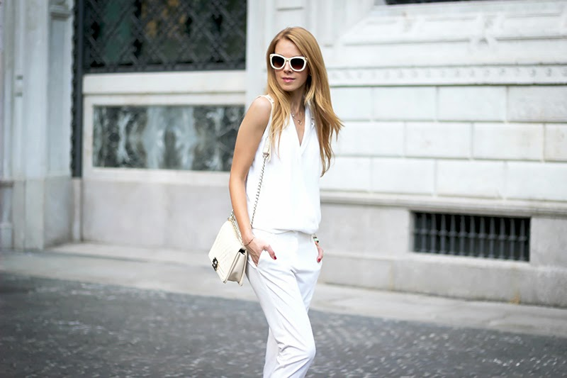 total white summer outift