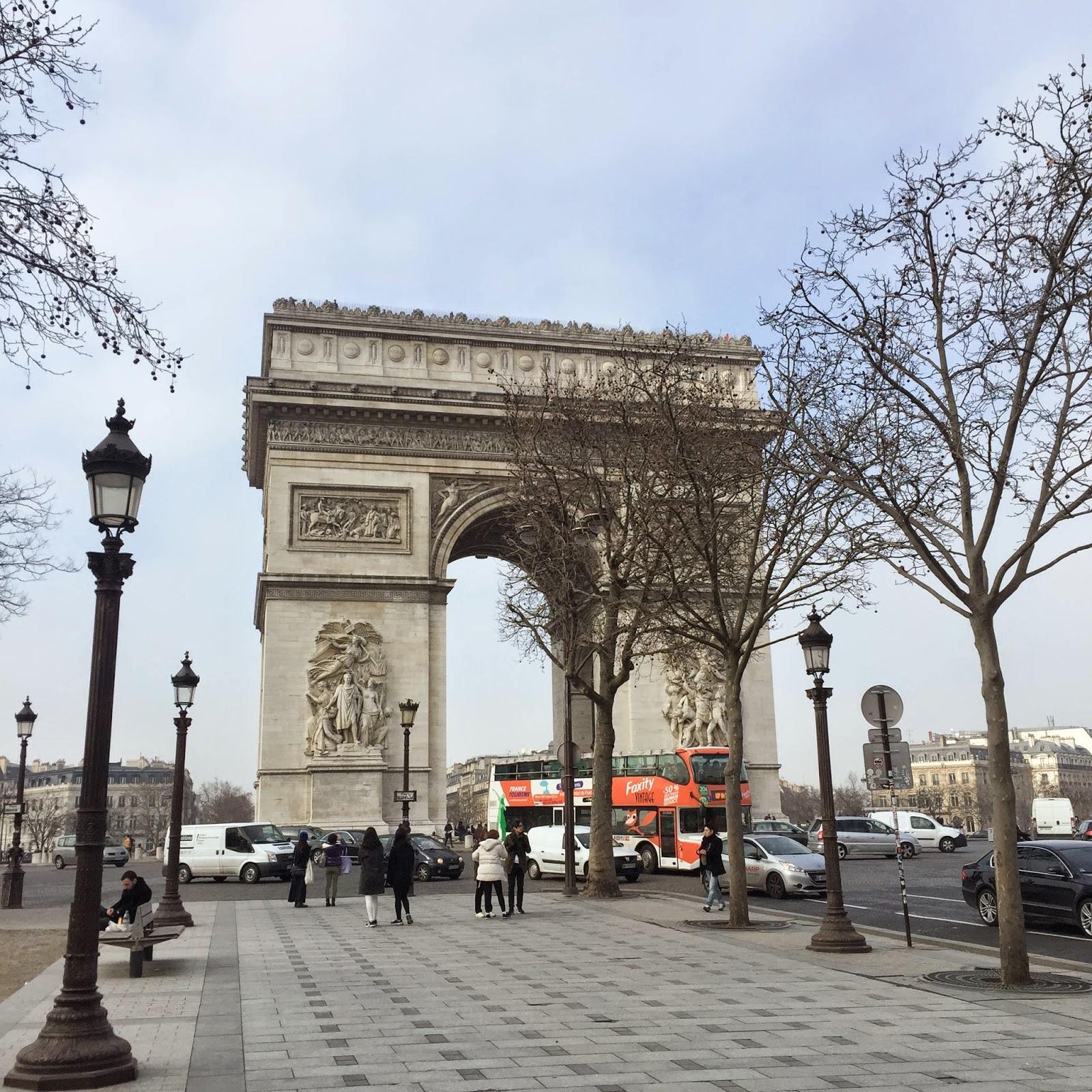 fashion blogger, my week, paris, streetstyle, le pain quotidien