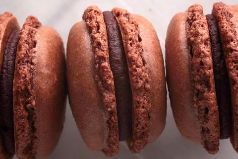 Macarons de chocolate rellenos de nutella: la receta definitiva