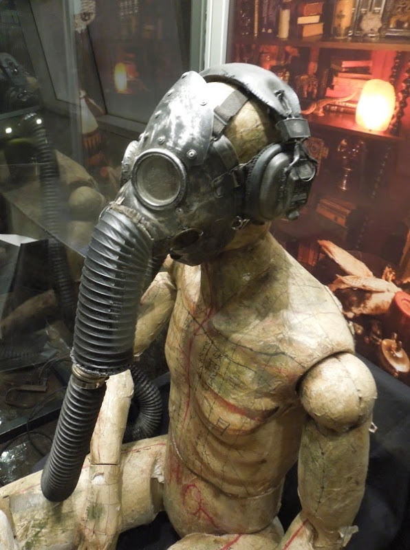 Insidious Chapter 2 Gas mask mannequin