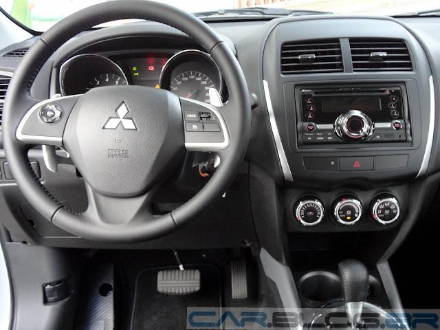 Mitsubishi ASX 4x2 Branco - painel