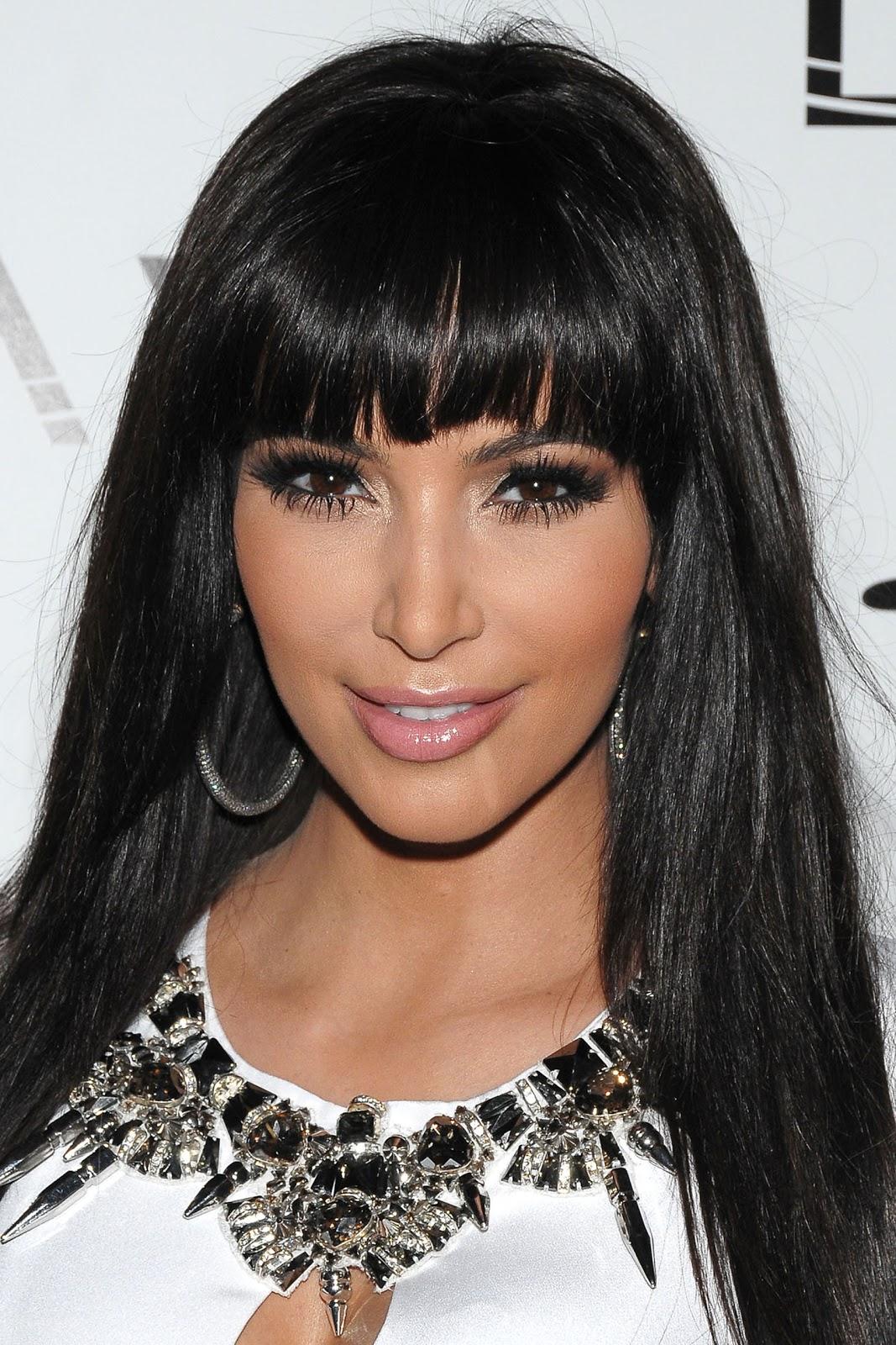 http://3.bp.blogspot.com/-X0h9numDZQs/T0qi2AbmLbI/AAAAAAAAAPc/1oLNoB2bGeA/s1600/Kim+Kardashian.jpg