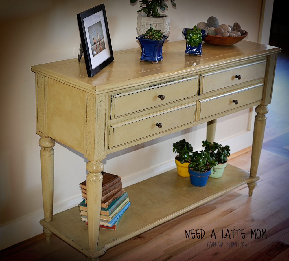 Need a latte mom versaille chalk paint before and after i just finished the sofa table this afternoon and i called heather and told her she was not going to get it back i am keeping it geotapseo Image collections