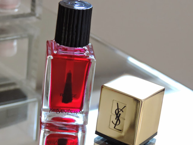 La Laque Couture Pop Water Nail Lacquer in no 63 Rouge Splash