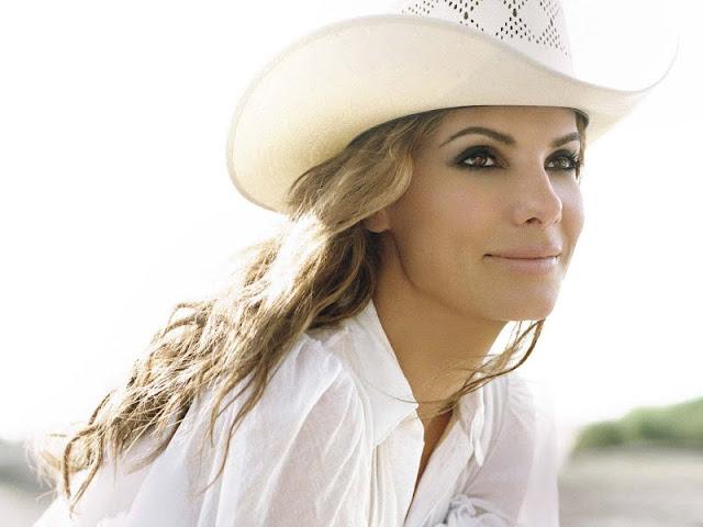 Sandra Bullock pretty in shirt