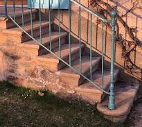 Petites annonces : escalier à vendre