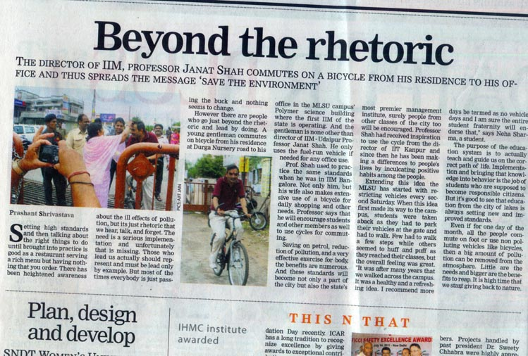 Director of IIM Udaipur commutes on bicycle