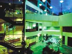 Harga Hotel Bintang 3 di Singapore - Fort Canning Lodge