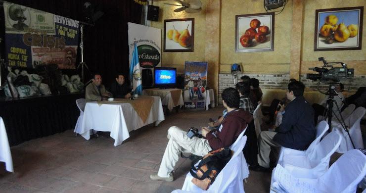 """Conferencia de Prensa de """"Viva la Crisis"""" película guatemalteca"""