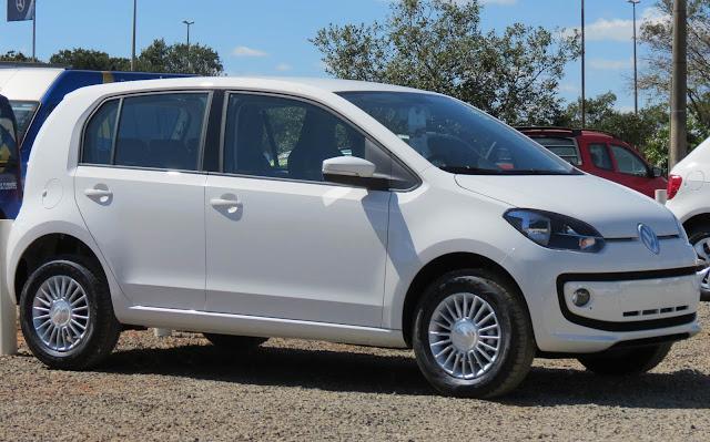 Volkswagen up! x Fiat Uno - automatizados