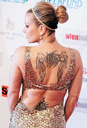 . Anna Kournikova se suman a un largo etcétera de mujeres que lucen . tatuajes