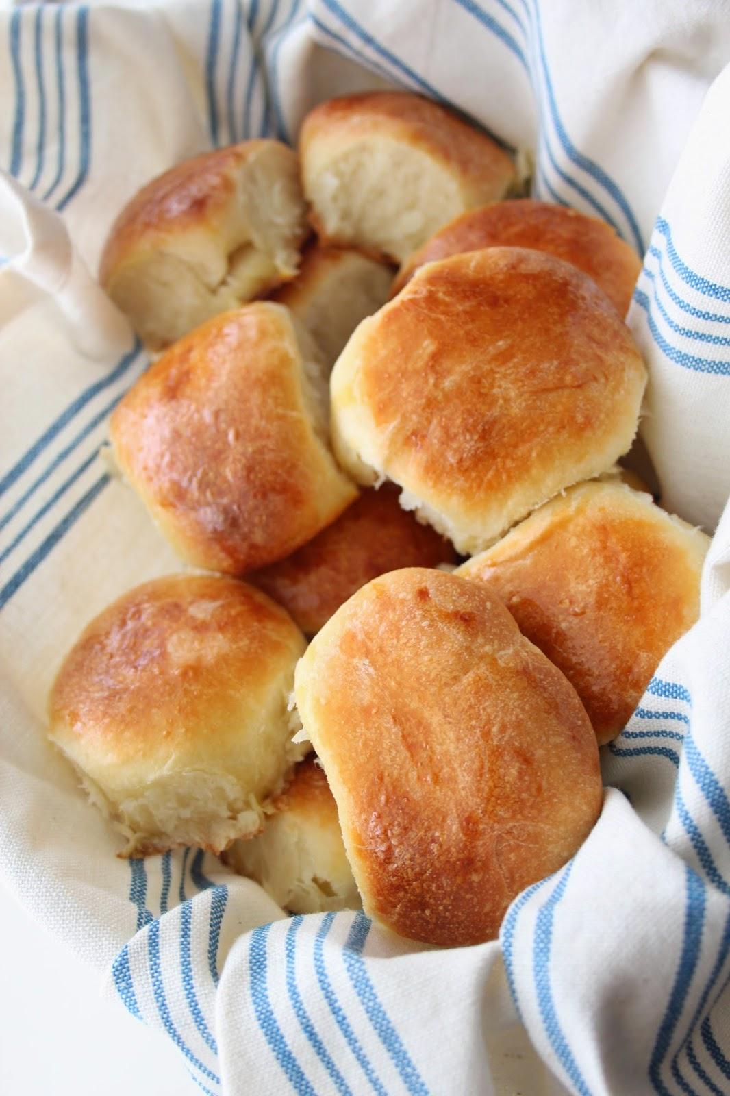 dinner rolls recipe http:///www.footnotesandfinds.com