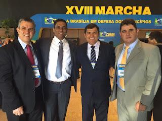 Marcando presença na 18ª edição da Marcha a Brasília: prefeitos Rogério Cabral (Nova Friburgo), Marcos Aurélio Dias (Guapimirim), Helil Cardozo (Itaboraí e também presidente do Conleste) e Arlei (Teresópolis)