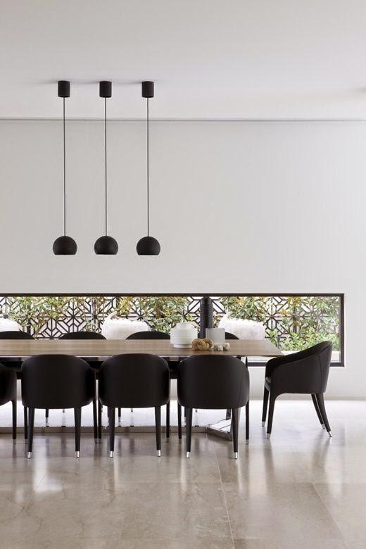 15 comedores decorados en blanco y negro for Comedores minimalistas de madera