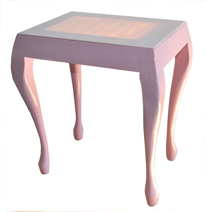 Tlc pretty pretty pink glass topped side table for Pretty html table