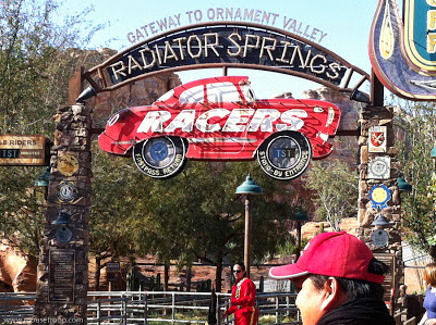 Radiator Springs Racers Cars Land Carsland queue line Disney