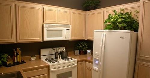les petites id es d 39 armoires de cuisine d cor de maison d coration chambre. Black Bedroom Furniture Sets. Home Design Ideas