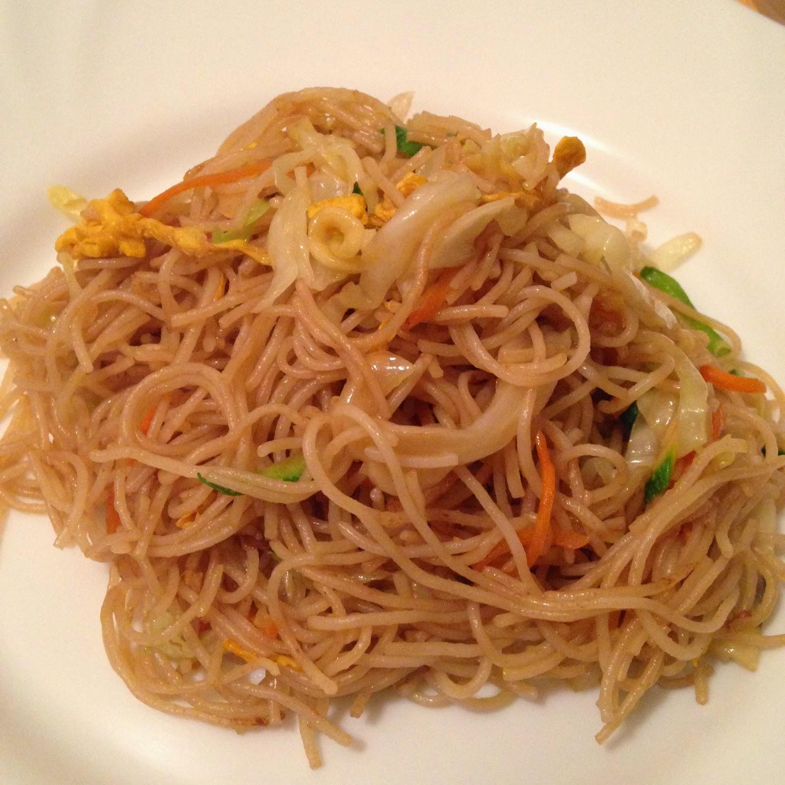 Alexanderplates spaghetti di riso saltati con verdure for Piatto tipico cinese
