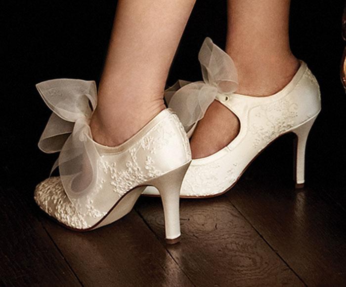 Comfortable wedding shoesd green wedding shoes ivory for Comfortable wedding dress shoes