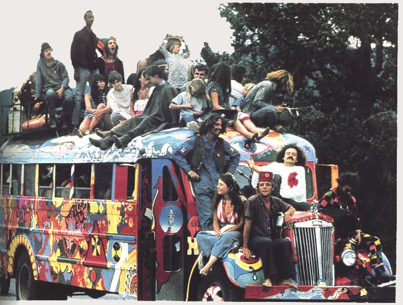 39 Vintage Hippie Photos That Capture Flower Power In Full Bloom