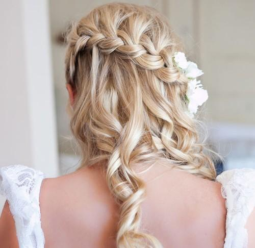 The Bloomin' Couch: Bridal Hairstyles
