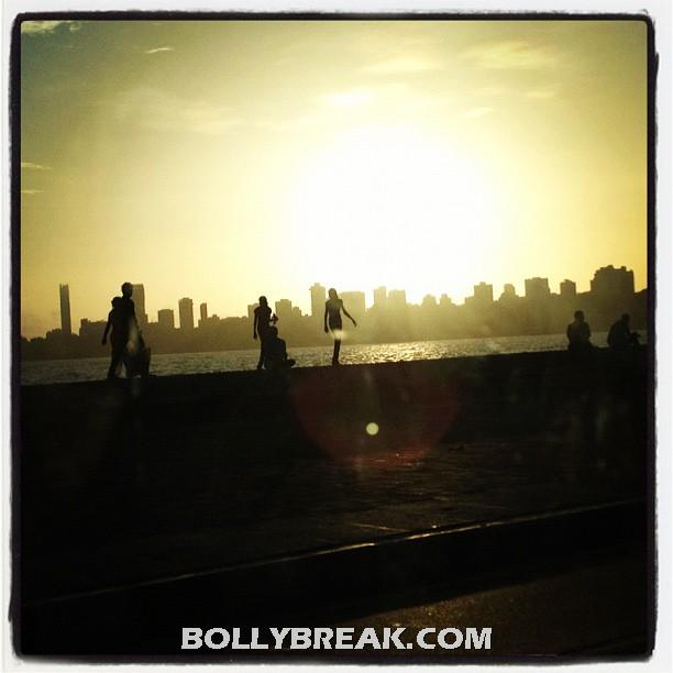 Priyanka takes a shot of the sunset - (4) -  Priyanka Chopra's personal pics from Twitter!!!