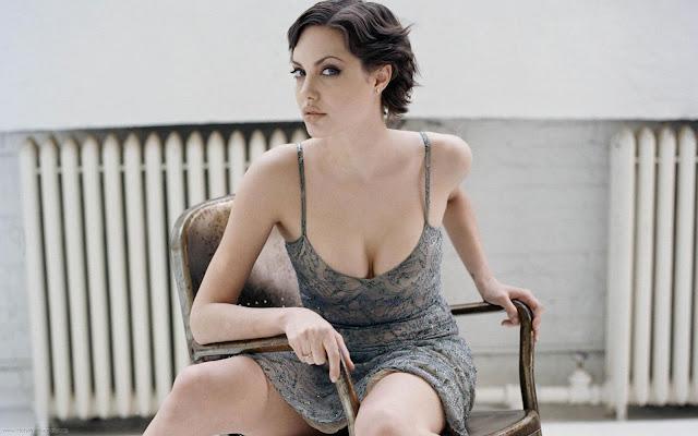 Angelina Jolie Glam Wallpaper